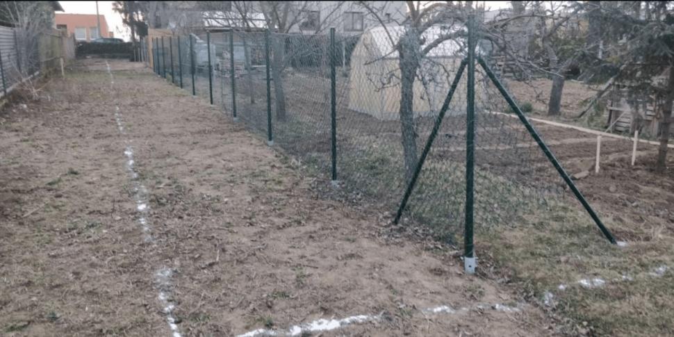 Isometall - zemné vruty - plot